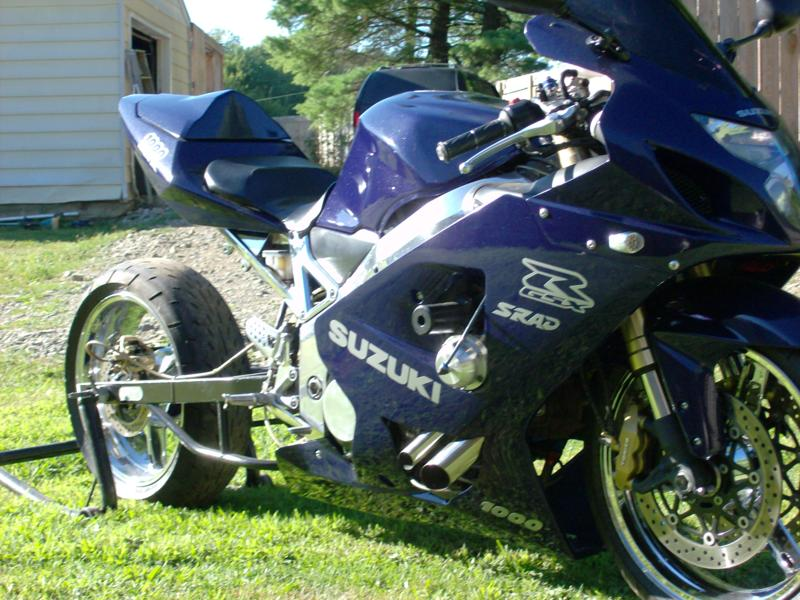 2004 Gsxr 1000 Front View – HD Wallpapers