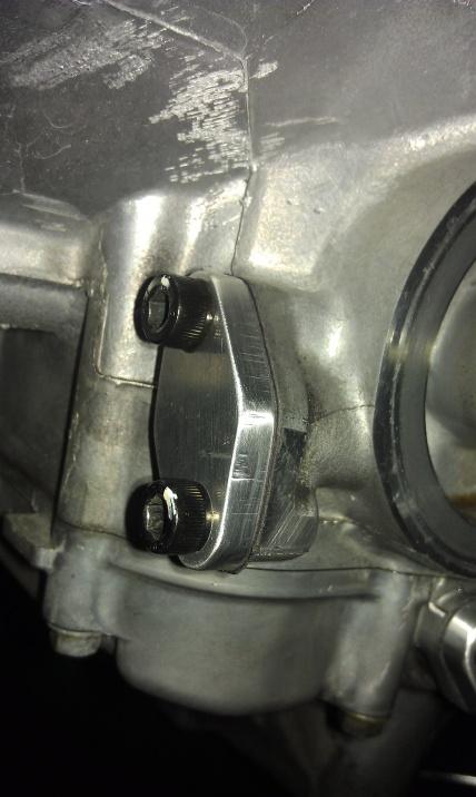 gen 1 oil cooler removel/ restictor plug-2012-11-08-16.36.23.jpg