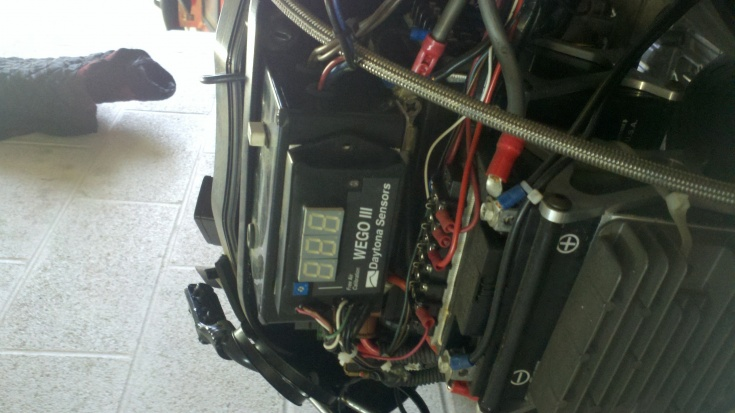 Nitrous and electricial goodies!!-2012-12-06_07-49-38_634.jpg