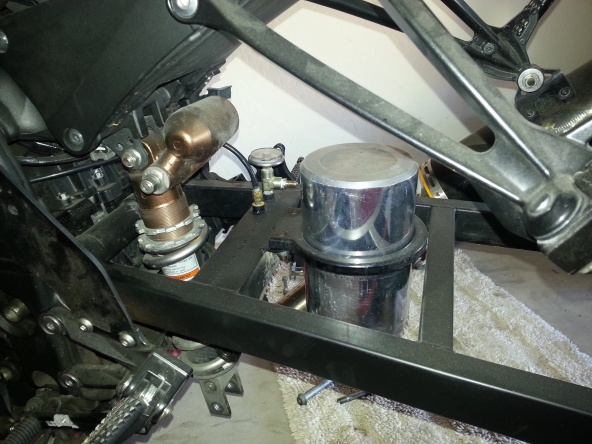 04-10 zx10 swingarm 14 over-20121018_140755.jpg