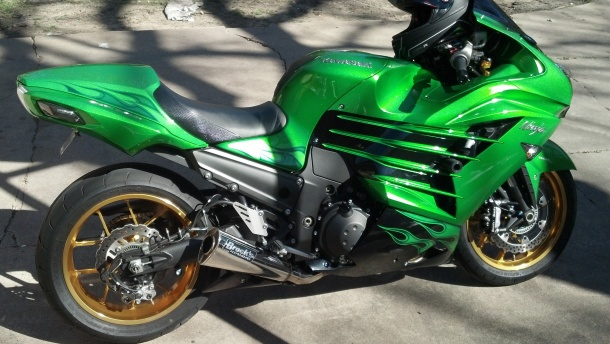 LETS SEE SOME KILLER ZX14 PICS!!!!!!! - Page 22