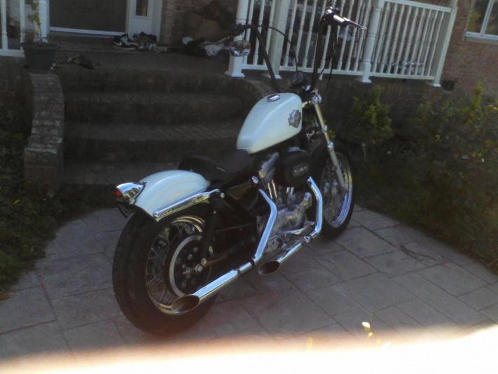 02 Harley 2,600 miles Bobber 883 !!! Ape Hangers!!