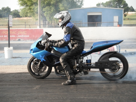 Let's see those bad a** GSXR pics-dscf0481.jpg
