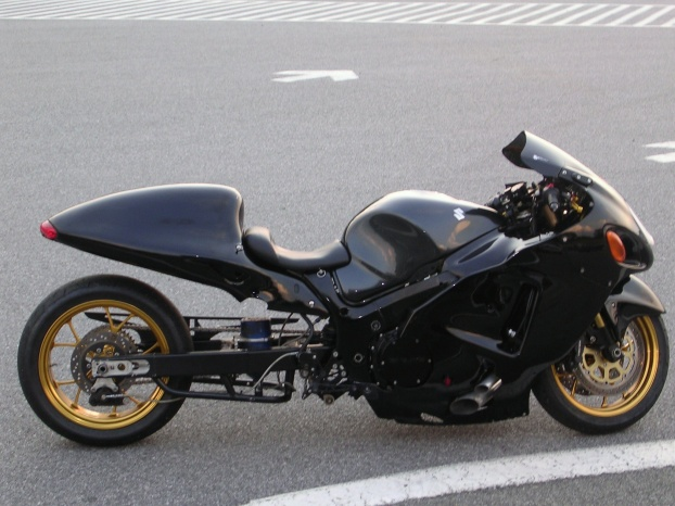 need pics of gen1 busa with 8 over tail-dscn0116.jpg