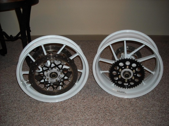 Galespeed wheels for GSXR-dscn1221.jpg