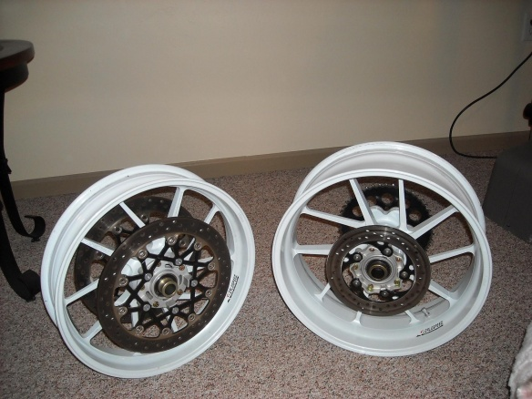 Galespeed wheels for GSXR-dscn1222.jpg