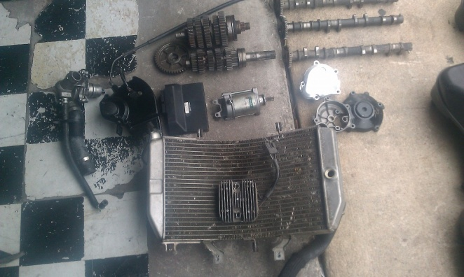 01-02 GSXR 1000 ENGINE PARTS-imag0034.jpg