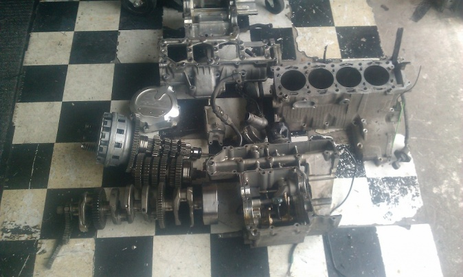 01-02 GSXR 1000 ENGINE PARTS-imag0035.jpg