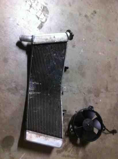 07-08 gsxr cut forks and radiator-imageuploadedbytapatalk1352923515.345960.jpg