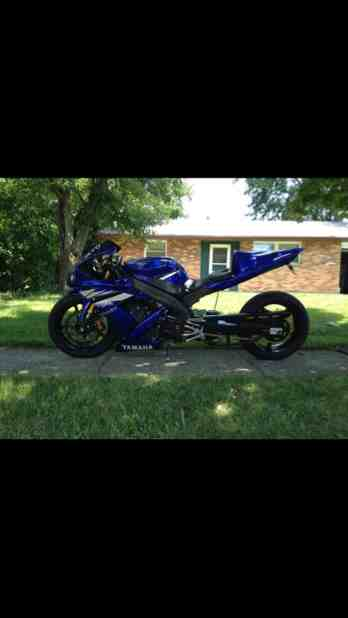 06 Yamaha r1