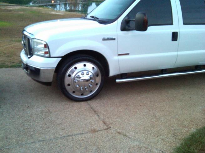2005 ford f-350 dually w/24 inch alcoa wheels