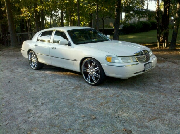 2001 Lncoln Town Car On 24s