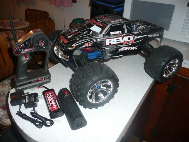 TRAXXAS REVO 3.3 For sale-p1050696.jpg