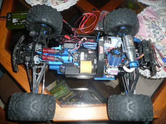 TRAXXAS REVO 3.3 For sale-p1050697.jpg