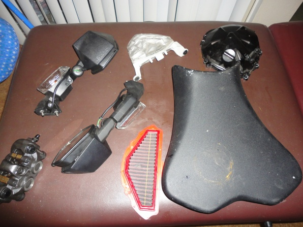 08-10 ZX10R Motor parts, forks, and misc parts-parts.jpg