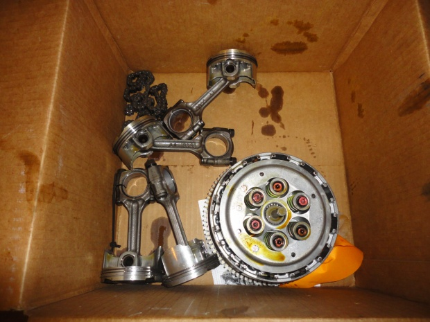 08-10 ZX10R Motor parts, forks, and misc parts-parts1.jpg