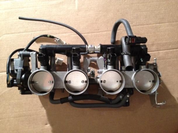 07-08 gsxr 1000 throttle bodies - complete-photo-3-5.jpg