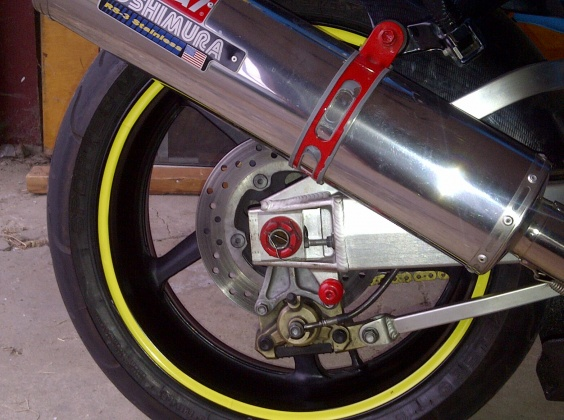 R1 wheels on a busa?-r1rim2.jpg